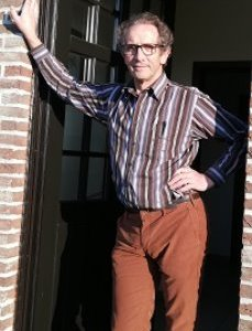 Dr. Leon Bossens